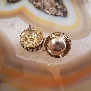 Vintage Napier gold/silver tone studs GUC